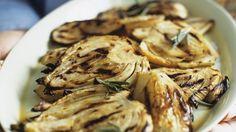 Ganz einfach und super lecker: Fenchel vom Grill | http://eatsmarter.de/rezepte/fenchel-vom-grill