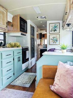 Gypsy Living, Rv Living, Small Living, Vintage Motorhome, Vintage Campers, Motorhome Interior, Campervan Interior, Gypsy Home, Diy Rv