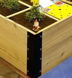 Raised Cedar Garden Bed 4'x4'x7'' or