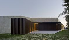 Image 17 of 27 from gallery of Single-Family House in Valverde / estudio arn arquitectos. Photograph by David Frutos Minimalist Architecture, Modern Architecture House, Residential Architecture, Architecture Design, Futuristic Architecture, Modern Houses, Modern Buildings, Fachada Colonial, Modern Tropical House