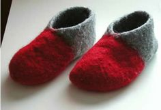 Ulla joulu 2005 - Huopatossut Knitting Socks, Knit Socks, Leg Warmers, Mittens, Baby Shoes, Slippers, Felt, Crochet, Pattern