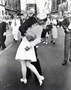 The Kiss, Alfred Eisenstaedt