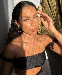 Juliana Louise Juliana Louise, Hoop Earrings, Instagram, Emoji, Photo Ideas, Fashion, Beauty, Sun, Shots Ideas