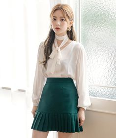 Korean Fashion – How to Dress up Korean Style – Designer Fashion Tips Korean Girl Fashion, Korean Fashion Trends, Ulzzang Fashion, Asian Fashion, Kpop Outfits, Korean Outfits, Fashion Outfits, Womens Fashion, Mode Ulzzang