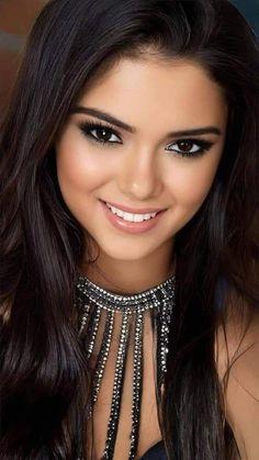 Most Beautiful Faces, Beautiful Lips, Beautiful Women Pictures, Beautiful Girl Image, Gorgeous Women, Beautiful Person, Beautiful Models, Beautiful Actresses, Beauty Full Girl