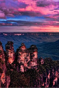 tr3slikes:500px / The Three Sisters, Blue Mountains by KAphotography - New South Wales