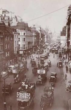 The Strand In Central London England In WW1 West London, London City, Never Dead, Back In Time, Olympia, Location History, Past, Cool Photos, Street View