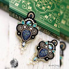 Shibori, Soutache Earrings, Turquoise Bracelet, Jewelry Making, Bracelets, How To Make, Diy, Inspiration, Stud Earrings