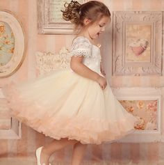 79.00$  Buy now - http://alitji.worldwells.pw/go.php?t=32602491702 -  Pink Color Vestidos dePrimera Comunion Mesh and Lace New Style Short Sleeve Flower Girl Dresses Soft Ball Gown for Weddings2016