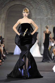 Stephane Rolland HC Fall 2012  via the wonderful fashionbride Webblog