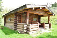 Meadowlark cabin is a log cabin built in 1915 | Lone Mountain Ranch