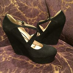 Nine West wedges. Nine West wedges with platform wore once excellent condition 4' wedge with 1' platform. Nine West Shoes Platforms