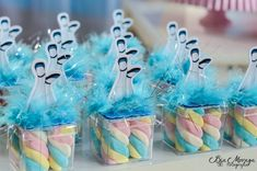 110 IDEIAS PARA FESTA ALICE NO PAIS DAS MARAVILHAS Alice In Wonderland Cakes, Thing 1, Candy Table, Candy Boxes, Sweet Sixteen, Princess Party, Alice Olivia, Party Time, Birthday Parties