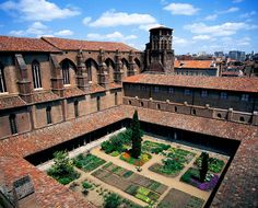 """""""Musée des Augustins""""  in Toulouse. This monastery turned museum,  dating from the 14th and 15th centuries, exhibits the town's largest selection of medieval sculptures (Romanesques and Gothic) and paintings. The collection contains works from the Italian, Flemish and Dutch schools including pieces by Rubens and Le Perugin and French artists from the 16th-20th centuries. The monastery itself has a chapel with two beautiful cloisters, a unique collection of Romanesque capitals. Photo: Dalbera"""