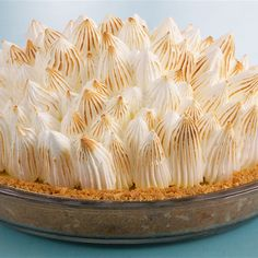 Anna Olson Key Lime Meringue Pie recipe by Chef Anna Olson. This recipe is from the show Bake With Anna. Key Lime Meringue Pie, Pie Recipes, Dessert Recipes, Lime Desserts, Cookbook Recipes, Plated Desserts, Baking Recipes, Anna Olsen, Best Summer Desserts