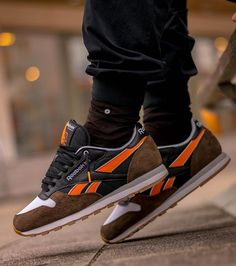 "Highs & Lows x Reebok a Classic Leather ""Autumn Leaves"""