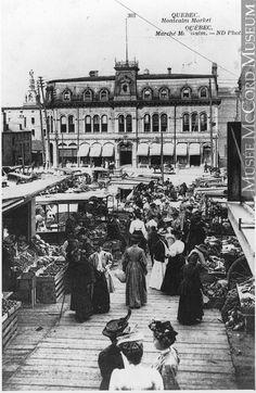 Marché Montcalm, Ville de Québec, vers 1910 Quebec Montreal, Old Quebec, Montreal Ville, Quebec City, Old Pictures, Old Photos, Chute Montmorency, Chateau Frontenac, Le Petit Champlain