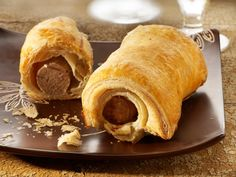 Worstenbrood op Verloren maandag zou vooral een Antwerps gebruik zijn. 'Verloren' omdat er niet gewerkt maar gefeest werd die dag