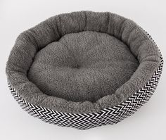 "IPETJOY Self Warming Canvas andPlush Pet Round Bed For Cats and Dogs – Premium Organic Cotton With Plush Sherpa Lining | 18"" x 18"" x 5' inchs >>> Learn more by visiting the image link. (This is an affiliate link and I receive a commission for the sales)"