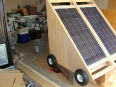 How to Build a Solar Generator on Wheels (Video)