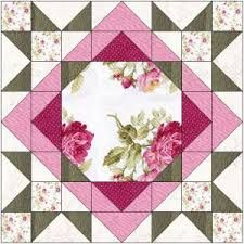 Resultado de imagem para large floral focus block quilt