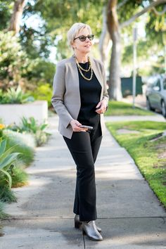 Travel-Friendly Business-Ready With M M LaFleur Business Outfits, Business Casual, Fashion For Women Over 40, Travel Wardrobe, Edgy Look, Timeless Fashion, Black Tops, Blog, How To Look Better