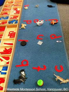 Montessori Language Extension - initial sound work using objects and the moveable alphabet. #phonics #montessori