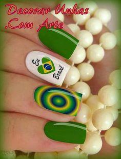 Película para embelezamento das unhas dos pés e das mãos. Adesivos de fácil aplicação. Peça pelo Código D-011 R$ 3,99