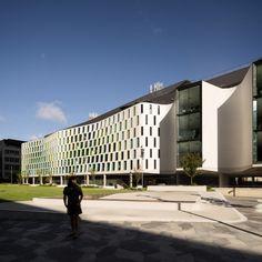 UTS Science Faculty, Building 7 | Durbach Block Jaggers Architects & BVN; Photo: Darren Bradley | Bustler