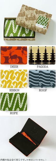 【名刺入れ House Industries(中川政七商店)】/アメリカのフォントデザイン会社であるHouse Industriesが、日本にインスピレーションを受け生み出したテキスタイル。外側はテキスタイルが描かれた帆布生地、内側には牛革を合わせた、マチ付きの名刺入れです。マチ付きのため、名刺をたっぷり入れていただくことができます。(約40枚)内側にはコラボレートロゴの型押し入り。コラボレートロゴがプリントされた箱に入っていますので、贈りものにもおすすめです。 #houseindustries