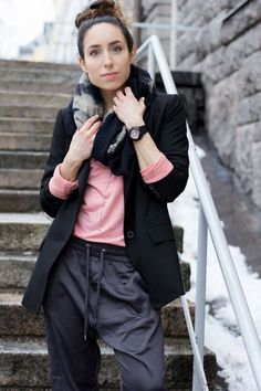 My look from yesterday :-) I decided to go a bit androgynous with my look, over-sized blazer, loose satin pants and just a basic shirt to go with it. The pants, with the shirt, are from Bik Bok (so co