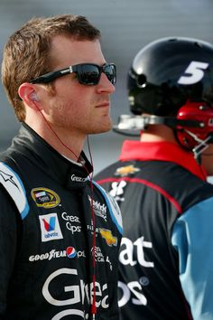 Kasey Kahne Photos - Kansas Speedway - Day 2 - Zimbio