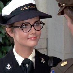 [LMH] Lynda Carter Lynda Carter, Movie Tv, Captain Hat, Wonder Woman, Hats, Beautiful, Women, Fashion, Moda