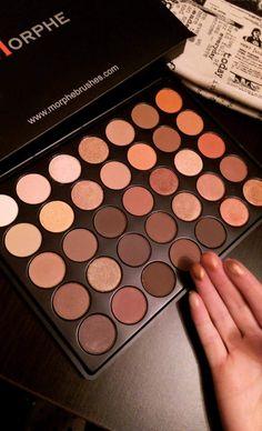 I adore the nude colours 😇😇 Kiss Makeup, Cute Makeup, Makeup Brush Set, Simple Makeup, Beauty Makeup, Makeup List, Makeup Goals, Makeup Inspo, Makeup Inspiration