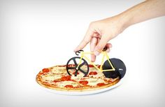 FIXIE PIZZA CUTTER ($25). Such a cute product design! Check it out on jebiga.com