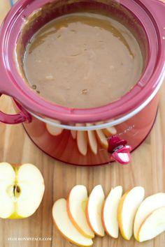 Crock Pot Slow Cooker Apple Caramel Dip recipe via Slow Cooker Apples, Crock Pot Slow Cooker, Slow Cooker Recipes, Crockpot Recipes, Carmel Apple Dip, Caramel Apples, Apple Caramel, Crock Pot Caramel Apple Recipe, Carmel Dip For Apples