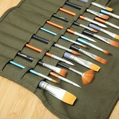 22 Holes Draw Pen Watercolor Roll Up Canvas Long Handle Brush Cases Holder Fabric Crafts, Sewing Crafts, Sewing Projects, Hole Drawing, Oil Paint Brushes, Paint Brush Holders, Leather Pencil Case, Diy Crafts Hacks, Pen And Watercolor