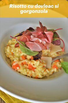 """Sigur stiti asta despre mine: risotto este mancarea mea preferata pe baza de orez! Este ceva in combinatia de orez, vin, parmesan si orice alte ingrediente pe care alegem sa le punem in risotto care m-a cucerit de la prima degustare si de atunci…a ramas aceeasi dragoste! Azi avem un risotto special, de toamna, extrem de cremos, bun pentru suflet si pentru stomacel, ceea ce americanii numesc """"comfort food"""" si ardelenii """"tulai Doamne, bun ii in zilele reci"""" – risotto cu dovleac si gorgonzola. Guacamole, Risotto, Mexican, Ethnic Recipes, Food, Essen, Meals, Yemek, Mexicans"""