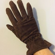 Leather Gloves Great pair of leather gloves! Size small. Worn once... Accessories Gloves & Mittens