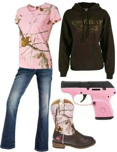 Pink Camo and Minus the gun! Country Style Outfits, Country Girl Style, Country Fashion, Country Life, Country Wear, Country Chic, Camo Outfits, Cowgirl Outfits, Cowgirl Boots