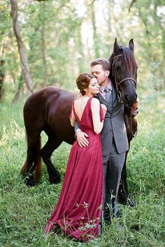 Gorgeous Game of Thrones Wedding Inspiration : photography, styling + floral: Clayton Austin // dress: vintage // groom's suit: Vera Wang Horse Wedding, Mod Wedding, Wedding Pictures, Wedding 2017, Fall Wedding, Rustic Wedding, Couple Photography, Engagement Photography, Photography Poses