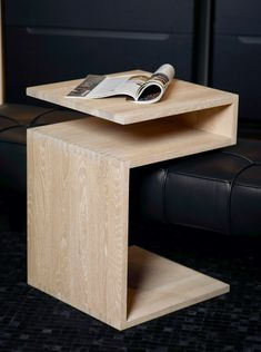 Deposito side table de Lambert
