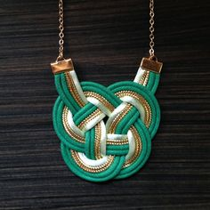 Les nœuds - Emerald and gold. $40.00, via Etsy.