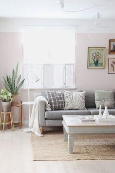 Pink livingroom, grey ikea Karlstad sofa, Stocksund legs - BY JO WITH LOVE