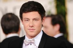I'm so sad about him passing. no one even understands. glee is my life. Finn was my favorite character ever. I cried for 3 hours because he's gone. his family , friends Lea and the entire glee cast will be in my prayers tonight. I hope they are staying strong like me and the fellow Gleeks like myself.  I love you Cory & I always will. #gleekforlife