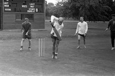Anyone for cricket? Relaxing before the Football World Cup with teammates Bobby Charlton and Alan Ball Football Soccer, Football Players, Manchester United Legends, Bobby Charlton, 1966 World Cup, Nobby, Class Games, Everton Fc, Sports Images