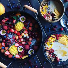 Christmas breakfast - porridge with a fruit platter! Organic, vegan, raw, delicious and healthy!