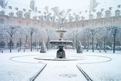 Paris  Paris Garden Place Des Vosges Snow Paris by departurelounge