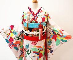運命の1着に カラフル可憐なそれいゆの「鶴」引き振袖 : それいゆ
