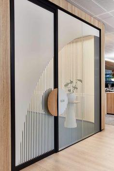 First Sentier Investors Workplace - Wayfinding Sigange & Design Office Signage, Wayfinding Signage, Signage Design, Door Signage, Glass Signage, Partition Design, Window Design, Door Design, House Design